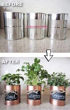 Evinizde bulunan, bir işe yaramayan konserve kutularını atmak yerine boyayıp dilediğinizce süsleyip saksıya dönüştürebilirsiniz... Konserve kutularını harika saksılara dönüştürün!..