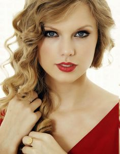cool Taylor Swift Hairstyles