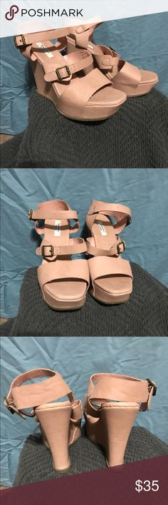 Vera Wang wedges Nude wedge sandals. Simply Vera by Vera wang. Faux leather, Has some scuff marks. No wear and tear on the bottoms still in good condition. Simply Vera Vera Wang Shoes Wedges