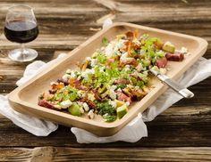 Salat mit Wildschweinsteak und Topinambur-Chips