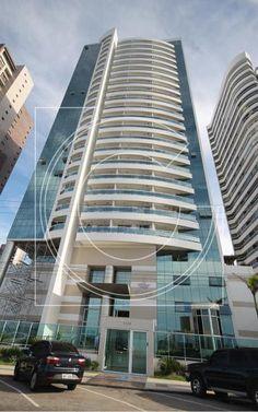 CÓDIGO: 591 - Lindo apartamento de 132m2 com 2 dormitórios e 2 suítes e 2 vagas de garagem na melhor região de Fortaleza, a Beira Mar! Sala ampla, todo avarandado, vista privilegiada (lateral da Praia de Iracema), porcelanato e área de lazer completa! R$ 1.900.000,00