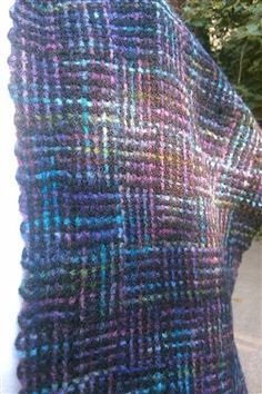 One of ,my very favorites, log cabin. My guild is exploring the use of variegated yarns this year; looks like a good place to start!