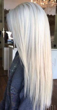 Silver shampoo to help brassy hair and keep it ashy and brighten up. Icy hair shades long and short. Highlights lowlights with pretty radiance. Silver with roots Blonde Hair Looks, Brown Blonde Hair, Platinum Blonde Hair, Bleach Blonde Hair, White Blonde, Black Hair, Icy Hair, Brassy Hair, Hair Shades