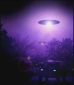 Ufos so pretty and they are just coming here because they are smart and want to know more about us kind of like how nasa try's to find out about them! SO PEOPLE DONT CALL THE COPS IF YOU SEE A UFO!!