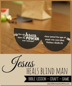 Jesus Heals the Blind Man Sunday School Lesson with super cute free printable bible crafts and activities Bible Story Crafts, Bible Crafts For Kids, Man Crafts, Preschool Bible, Bible Lessons For Kids, Kids Bible, Toddler Preschool, Bible Stories, Toddler Bible