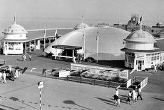 The pier entrance back in the day Hastings Pier, Hastings East Sussex, Back In The Day, Archaeology, Brighton, Entrance, Old Things, Memories, Spaces