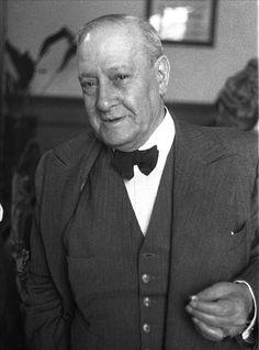 Manuel Machado Ruiz (Sevilla, 29 de agosto de 1874 – Madrid, 19 de enero de 1947)