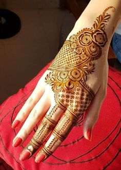 50 Most beautiful Amritsar Mehndi Design (Amritsar Henna Design) that you can apply on your Beautiful Hands and Body in daily life. Floral Henna Designs, Basic Mehndi Designs, Back Hand Mehndi Designs, Latest Bridal Mehndi Designs, Mehndi Designs For Beginners, Mehndi Designs For Girls, Mehndi Design Photos, Wedding Mehndi Designs, Mehndi Designs For Fingers