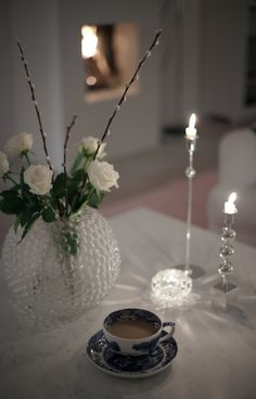 Candlesticks Svensk Tenn,,delicate and stylish. House Of Philia, Christmas Interiors, Scandinavian Home, Traditional Decor, Luxury Home Decor, Interior Inspiration, Interior And Exterior, Home Accessories, Flower Arrangements