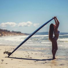 Surf lesson with a hot woman causes confusion between couples Surf Girls, Beach Girls, Bali Travel, Hawaii Travel, Female Surfers, Beach Images, Surf City, Surfs Up, Wakeboarding