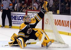 Tim Thomas Traded To Islanders Tim Thomas was traded from the Boston Bruins to New York in exchange for a conditional second round draft pick 2014 or Hockey Goalie, Hockey Teams, Ice Hockey, Hockey Room, Hockey Rules, Hockey Stuff, Boston Sports, Boston Red Sox, Boston Bruins Goalies