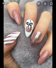 25 Bright and Awesome CHRISTMAS NAILS Art Design and Polish .- 25 Bright and Awesome CHRISTMAS NAILS Art Design and Polish Ideas for 2019 Part christmas nails; Cute Christmas Nails, Christmas Nail Art Designs, Winter Nail Designs, Winter Nail Art, Holiday Nails, Christmas Design, Xmas Nails, Christmas Holidays, Christmas Tree