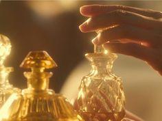 gold, golden, and perfume Bild - Golden Honey [aes] - Gold Aesthetic, Aesthetic Colors, Aesthetic Photo, Aesthetic Pictures, Apollo Aesthetic, Photography Aesthetic, Aesthetic Vintage, Wallpaper Harry Potter, Photowall Ideas