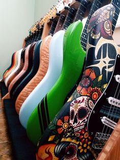 Martin LX Little Acoustic Black Guitar Pics, Guitar Art, Fender Stratocaster, Fender Guitars, Guitar Chords Beginner, Guitar Collection, Beautiful Guitars, Vintage Guitars, Playing Guitar