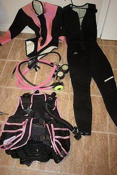 $155 - Scuba Diving Equipment Regulator, BC, Wetsuits and Tank Valves
