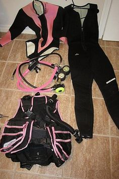 $155 - Scuba Diving Equipment Regulator, BC, Wetsuits and Tank Valves