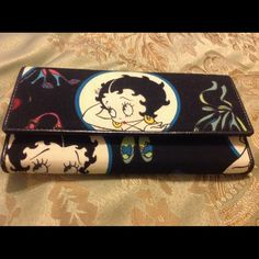 Black Betty Boop Wallet Pre-owned. Trifold with zippered pocket. Accessories