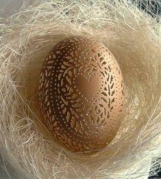 originele Pasen gouden ei decoratie met hart