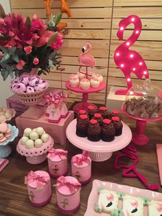 Flamingo Birthday Party Idea-Festa De Flamingos — The Iced Sugar Cookie Pink Flamingo Party, Flamingo Baby Shower, Flamingo Birthday, 18th Birthday Party, Pink Flamingos, Birthday Party Decorations, Deco Buffet, Tropical Party, Luau Party