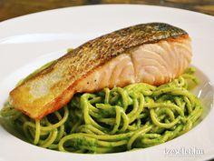 Teljes kiőrlésű spagetti diós spenótpesztóval Pork Cheeks, Spagetti Recipe, Gourmet Recipes, Healthy Recipes, In The Flesh, Easy Cooking, Potato Recipes, Food Print, Spaghetti
