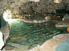 A swimming pool that is created and put together this well that it looks completely natural!