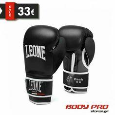 Γάντια πυγμαχίας Leone Flash, έρχεται σε πολύ καλή σχέση τιμής - απόδοσης και είναι ιδανικά για μποξ, kickboxing, muay thai.  ● Τεχνικά χαρακτηριστικά:  Δέσιμο καρπού: Λουρί βέλκρο (scratch). Κατάλληλο γάντι για μποξ, kick boxing, muay thai. Υλικό: PU - Συνθετικό δέρμα. Εσωτερική γέμιση με 60% Flex PU - 40% Basic PU. Kickboxing, Kick Boxing