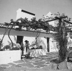 Artur Pastor: Algarve, décadas de 50/60 Algarve, Santiago Do Cacem, Madrid, Built Environment, Old Pictures, Lisbon, Black And White, Country, Architecture