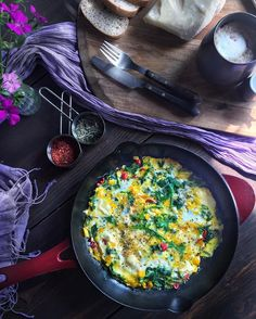 Wild Herb  #omelette for #breakfast with wild chicory, mallow… on @the_feedfeed https://thefeedfeed.com/gamzemutfakta/4352852