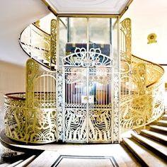 Fancy - Art Nouveau and Art Deco, Otto Wagner staircase, Stiegenhaus, Vienna, 1898 Architecture Art Nouveau, Beautiful Architecture, Architecture Details, Design Art Nouveau, Art Nouveau Interior, Art Nouveau Arquitectura, Otto Wagner, Jugendstil Design, Design Industrial