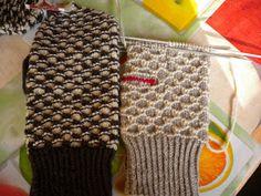 Marianne´s hantverk : Mönster på Mariannes favoritvantar Knitting Patterns Free, Free Knitting, Baby Knitting, Crochet Patterns, Mittens Pattern, Knit Mittens, Knitting Socks, Booties Crochet, Crochet Yarn