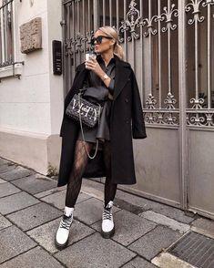 Girl, fashion e beautiful imagem no we heart it grunge outfits, moda fashio Casual Fall Outfits, Winter Fashion Outfits, Stylish Outfits, Autumn Fashion, Grunge Outfits, Dr Martens Outfit, Dr Martens Style, Urban Fashion, Look Fashion