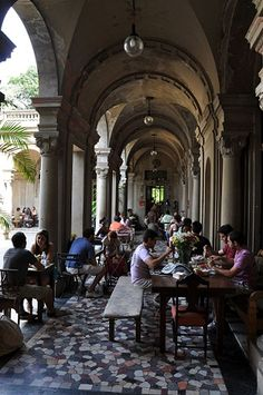 Parque Lage: overlooking the pool and the forest of Tijuca Forest - Rio de Janeiro Central America, South America, Carcassonne, Architecture People, Brazil Travel, Latin Women, Most Beautiful Cities, Travel Agency, Wanderlust Travel