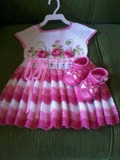 Baby Crochet Patterns Part 12 - Beautiful Crochet Patterns and Knitting Patterns Crochet Dress Girl, Crochet Baby Dress Pattern, Baby Dress Patterns, Baby Girl Crochet, Crochet Baby Clothes, Crochet For Kids, Knit Crochet, Crochet Dresses, Crochet Children
