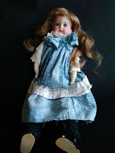BELLE POUPEE ARMAND MARSEILLE GERMANY - ANTIQUE BISCUIT DOLL
