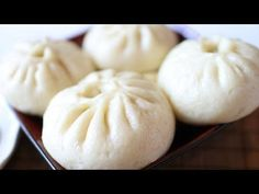 How to make vegetarian buns/Traditional Chinese Food/素馅包子 - https://www.youtube.com/watch?v=u4J9gV4IzFM