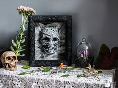 Dollar Store Halloween Mummy Decor: This is seriously creepy -- but seriously cool! Give your home the spooky Halloween decor it deserves with thissimple budget friendly Halloween decor. Spooky Halloween Decorations, Holidays Halloween, Easy Halloween, Halloween Crafts, Haunted Halloween, Holiday Decorations, Seasonal Decor, Dollar Store Halloween, Dollar Store Crafts
