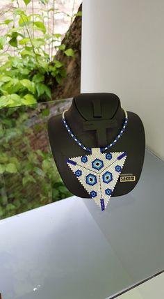 Pendant Earrings, Pendant Jewelry, Jewelry Art, Beaded Jewelry, Beaded Necklace, Triangle Pattern, Peyote Patterns, Beading Patterns, Diy