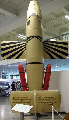 Una réplica de la Bachem Ba349 en el Deutsches Museum de Munich , Alemania . Un total de 36 pruebas y aviones operativos construido a Bachem - Werk se puede explicar . De los 4 Natters capturados en Sankt Leonhard im Pitztal , 2 fueron a los EE.UU. . Sólo un Natter original construido en Alemania en la SGM sobrevive en almacenaje en una instalación de almacenamiento en Suitland , bajo los auspicios de la Institución Smithsonian El destino de la otra Natter traído a los EE.UU. es desconocida.