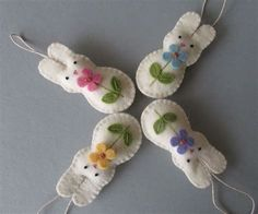 Képtalálat a következőre: Handmade Felt Ornaments Easter Projects, Easter Crafts, Crafts For Kids, Felt Projects, Sewing Projects, Diy Crafts, Easter Ideas, Creative Crafts, Felt Diy