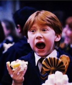That wee face :) Harry Potter Ron Weasley, Mundo Harry Potter, Harry Potter Icons, Harry Potter Tumblr, Harry James Potter, Harry Potter Jokes, Harry Potter Pictures, Harry Potter Fandom, Harry Potter Characters