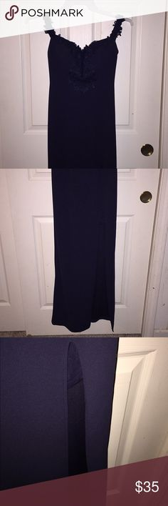 Formal/Prom Dress! Navy off the shoulder formal/prom dress. Worn twice. No damage whatsoever. Perfect for any formal occasions or your prom! Flower detailing makes it elegant. And the slit on the side gives it an extra spice! 🌶  #dress #prom #formal #navy #hot #cute #0 #longdress #offtheshoulder #slit Dresses Prom