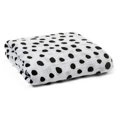 Organic Swaddle Spots – love the black and white spot design. Great in a monochrome nursery!