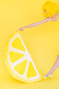 When Life Gives You Lemons: DIY Lemon Photo Booth - Studio DIY
