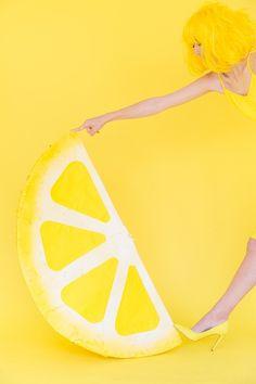 diy | Lemon Wedge Piñata