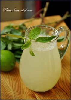 Лимонад из лайма и базилика