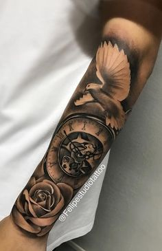 Seahawks Hand Tattoos — Hand Tattoos & Home Decor Hand Tattoos Pictures, Hand Tattoo Images, Picture Tattoos, Realistic Tattoo Sleeve, Best Sleeve Tattoos, Tattoo Sleeve Designs, Forarm Tattoos, Leg Tattoos, Rose Tattoos For Men