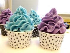 Piping soap cupcakes – another palm free recipe