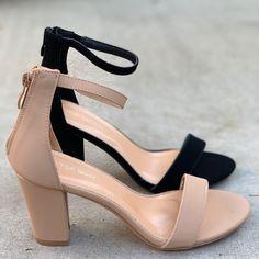 Pretty Shoes, Beautiful Shoes, Cute Shoes, Shoe Boots, Shoes Heels, Heeled Boots, Girls Formal Shoes, Bridal Heels, Womens High Heels