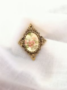 Vintage Brooch  Fashion  Victorian  Jewelry by LollysCubbyHole,