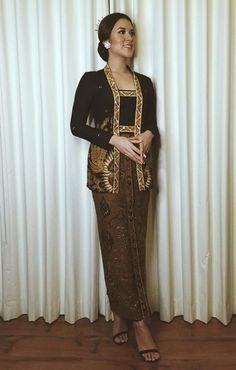 Kebaya Hijab, Batik Kebaya, Kebaya Dress, Kebaya Brokat, Batik Dress, Model Kebaya Modern, Kebaya Modern Dress, Kebaya Wedding, Thai Wedding Dress